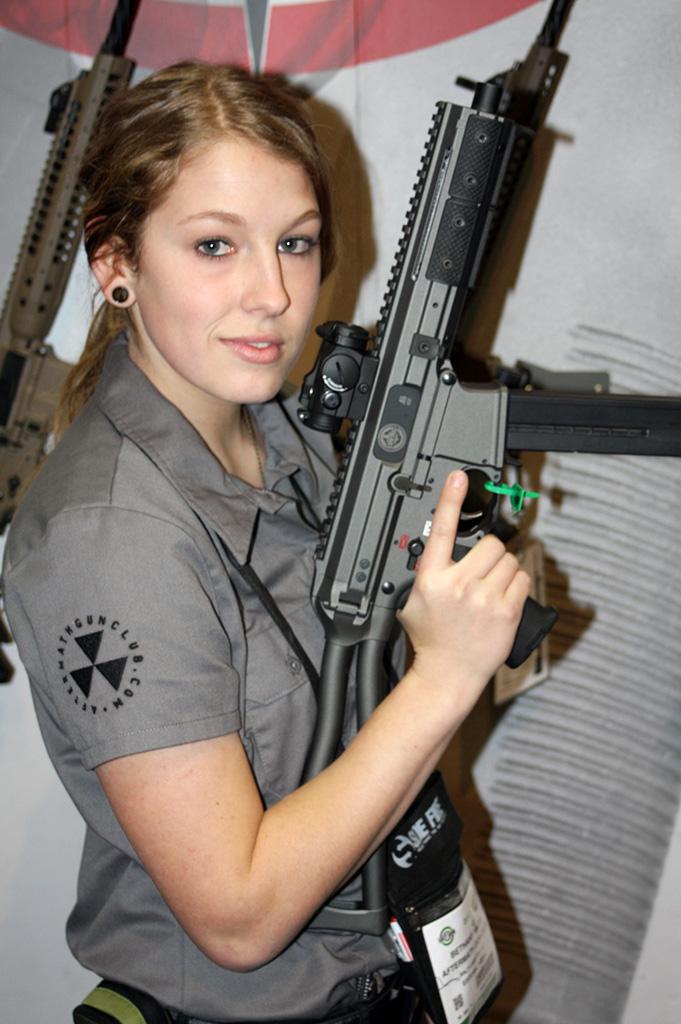 GunDoll-with-LWRC-SMG